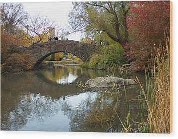 Wood Print featuring the photograph Reflections Of Gapstow Bridge by Jose Oquendo