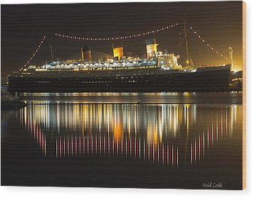 Reflections Of Queen Mary Wood Print by Heidi Smith