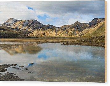 Reflections On Landmannalaugar Wood Print by Peta Thames