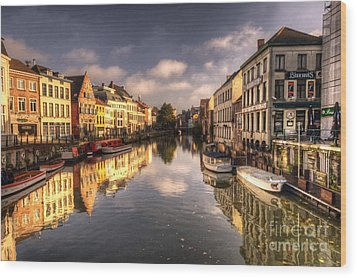 Reflections Over Ghent Wood Print by Rob Hawkins
