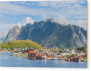 Reine In Lofoten Wood Print