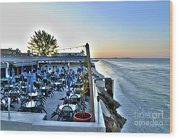 Restaurant On Fort Myers Beach Florida Wood Print