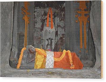 Resting Buddha Wood Print by Bill Mock