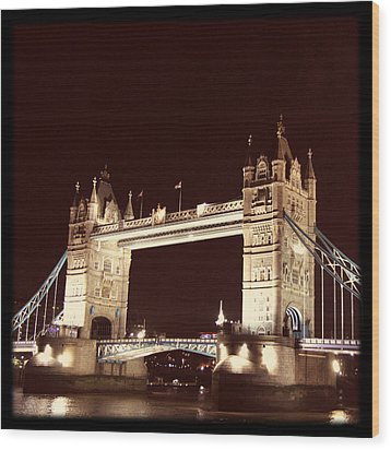 Retro Tower Bridge Wood Print