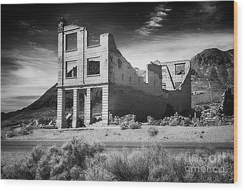 Rhyolite Bank In Death Valley Wood Print