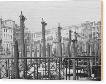 Rialto Bridge Venice Wood Print by Dorothy Berry-Lound