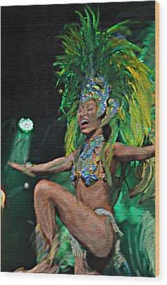 Rio Dancer I A Wood Print