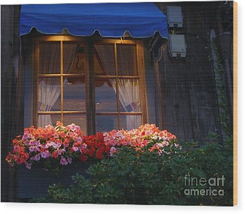 Wood Print featuring the photograph Ristorante by Bev Conover