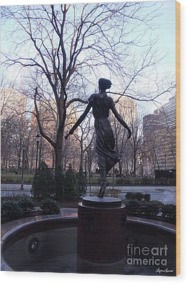 Wood Print featuring the photograph Rittenhouse Square At Dusk by Lyric Lucas