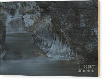 River Stalactites Wood Print by Rod Wiens