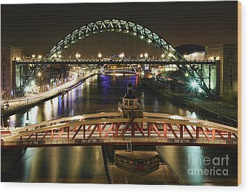 River Tyne At Night Wood Print