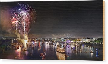 Riverbend Fireworks Wood Print by Steven Llorca