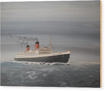 R.m.s Queen Elizabeth Wood Print by James McGuinness