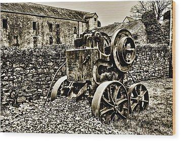 Rock Breaker Wood Print by Tony Reddington