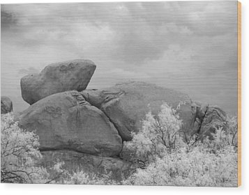 Rocks Under Ir Sky Wood Print