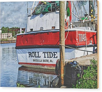 Roll Tide Stern Wood Print by Michael Thomas