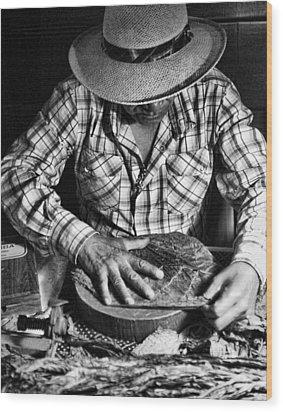 Rolling Cuban Cigars Wood Print