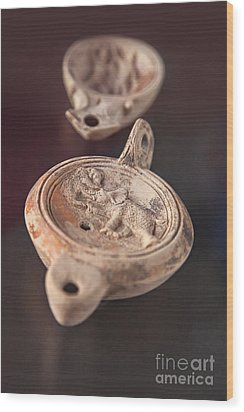 Roman Oil Lamp Wood Print by Sophie McAulay