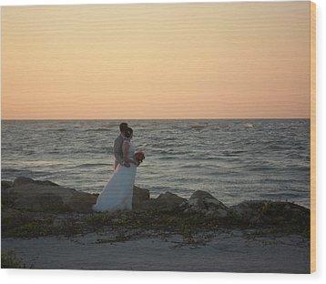 Romance In Captiva Wood Print