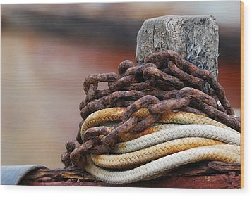 Rope And Chain Wood Print by Wendy Wilton