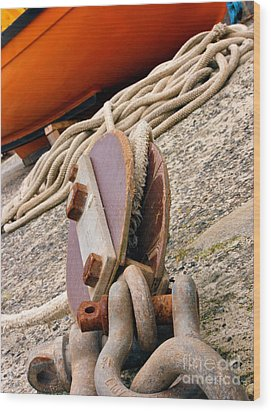 Ropes And Chains Wood Print by Terri Waters
