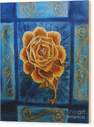 Rose 1 Wood Print by Suzanne Thomas