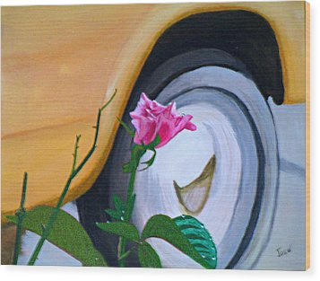 Rose At The Curb Wood Print by Hilda and Jose Garrancho