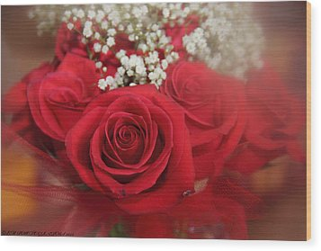 Wood Print featuring the photograph Roses Are Red by Elaine Malott