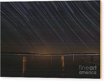 Round Bay Startrails Wood Print by Benjamin Reed