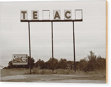 Route 66 - Abandoned Texaco Station Wood Print by Frank Romeo