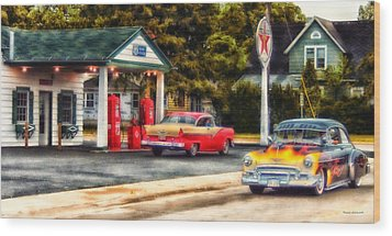 Route 66 Historic Texaco Gas Station Wood Print by Thomas Woolworth
