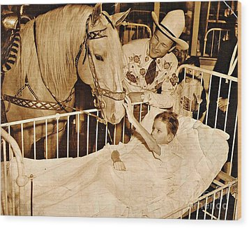 Roy Rogers And Trigger With A Polio Victim In Pittsburgh Wood Print by Unknown