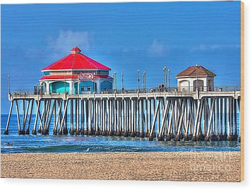 Ruby's Surf City Diner - Huntington Beach Pier Wood Print by Jim Carrell