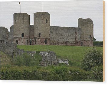 Wood Print featuring the photograph Ruddlan Castle 2 by Christopher Rowlands