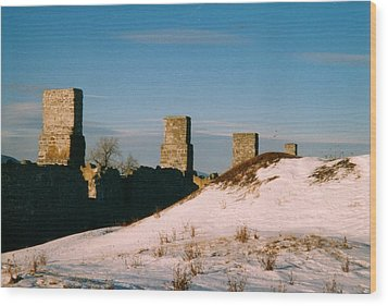 Ruins With Snow And Blue Sky Wood Print by David Fiske