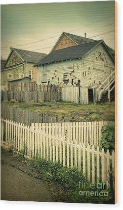 Rundown Shacks Wood Print by Jill Battaglia