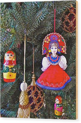 Russian Christmas Tree Decoration In Fredrick Meijer Gardens And Sculpture Park In Grand Rapids-mi Wood Print by Ruth Hager