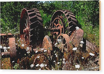 Rust And Wheels Wood Print