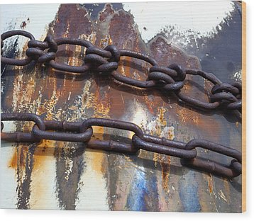 Rusted Links Wood Print by Fran Riley