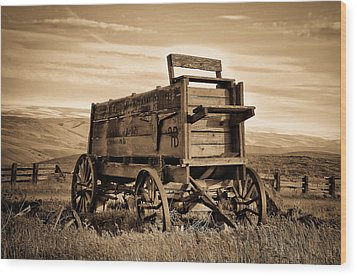 Rustic Covered Wagon Wood Print by Athena Mckinzie