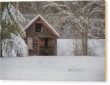 Rustic Shack In Snow Wood Print