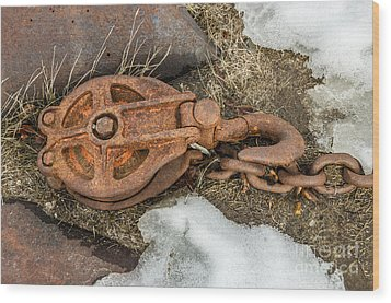 Rusty Pulley And Chain Wood Print