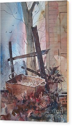 Rusty Tub Wood Print by Micheal Jones