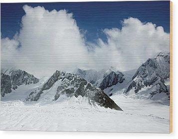 Ruth Gorge In Alaska's Denali National Park Wood Print