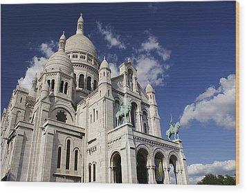 Sacre Coeur Paris Wood Print by Gary Eason