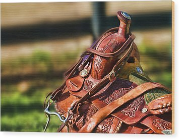 Saddle In Waiting Western Saddle Horse Wood Print by Eleanor Abramson