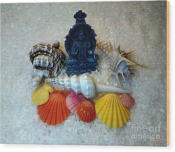 Safeguard Symbol Seashells Wood Print by Hanza Turgul