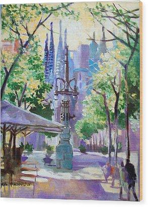 Sagarda Familia Barcelona Wood Print by Paul Weerasekera