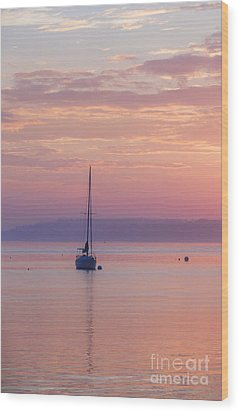 Sailboat At Sunrise In Casco Bay Maine Wood Print by Diane Diederich