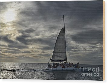 Sailing The Caribbean Wood Print